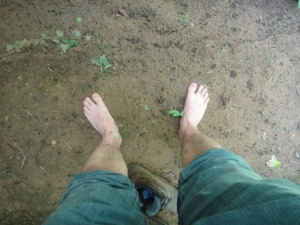 I don't own any wellies (especially not pink ones!) so had to wade barefoot to get the cache