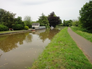 Looking along the Shropshire Union Canal near Chester on the way to the penultimate cache of the day